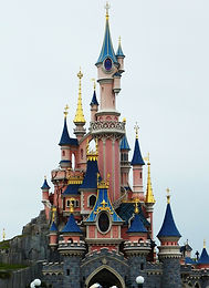 disneyland-paris-234579_1920_edited.jpg