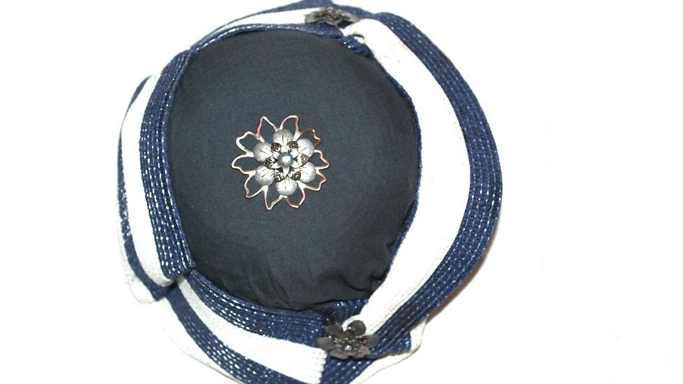 LGN CAPRI WHITE & BLUE WITH BROACH