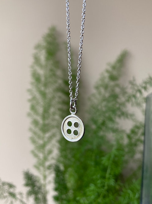 Single button pendant