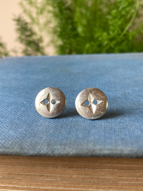 Vintage silver button stud