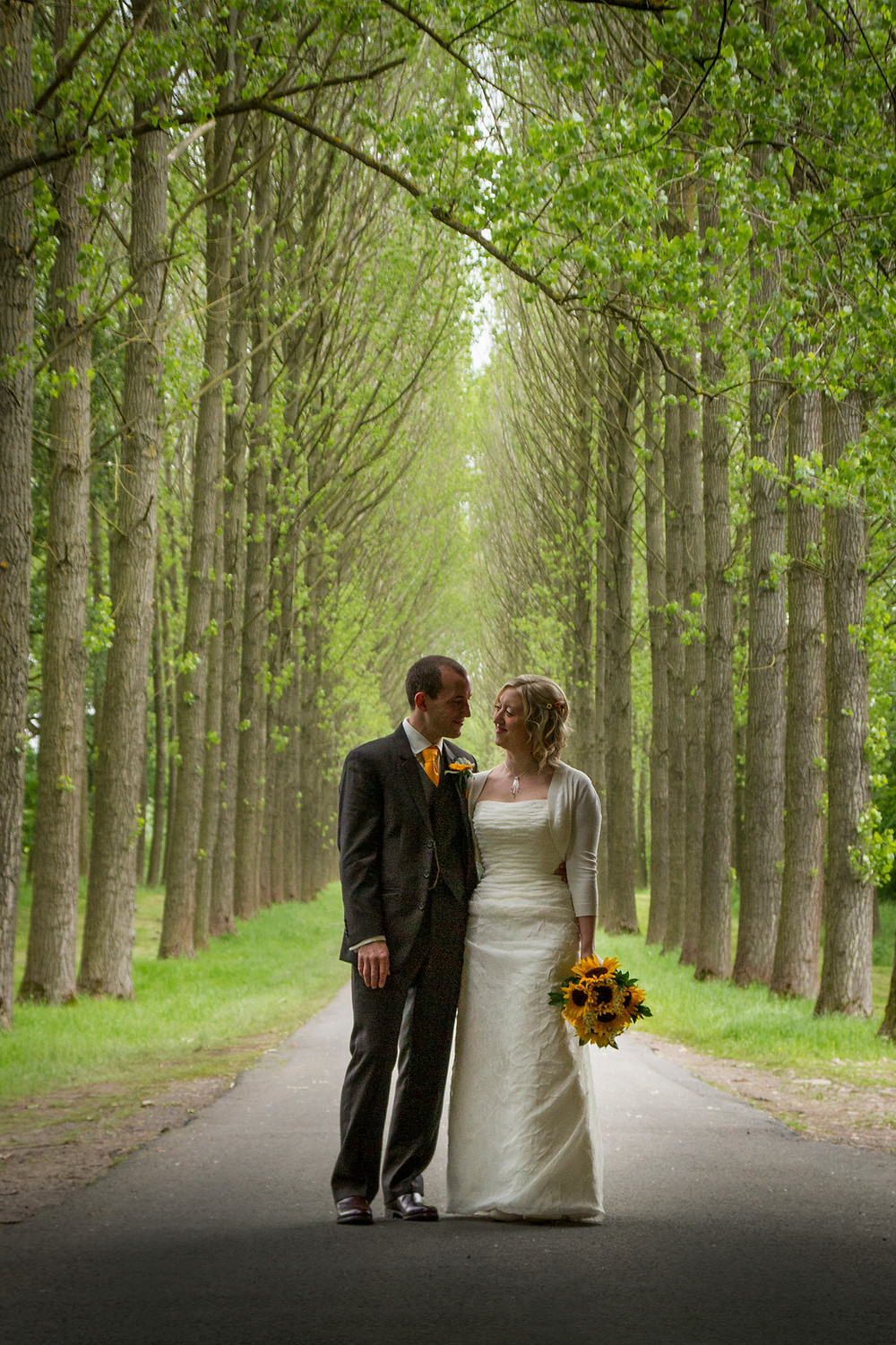 bride groom trees natural photo