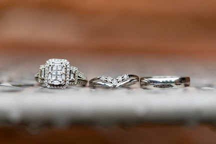 wedding rings macro photograph