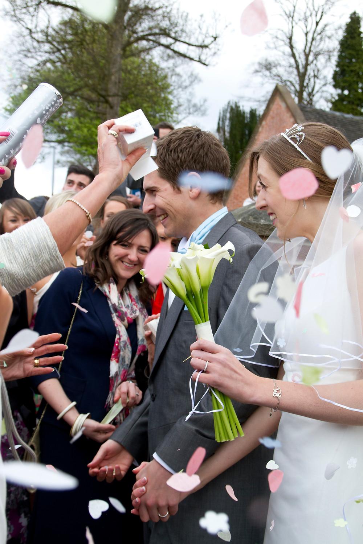 fun wedding photo confetti