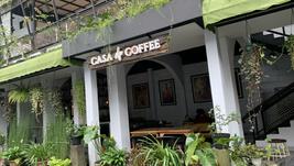 Casa de Coffee SUKABUMI : Menikmati kopi di café antik dengan suasana gallery yang homey
