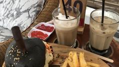 KOPI NON, Café klasik dengan interior mewah