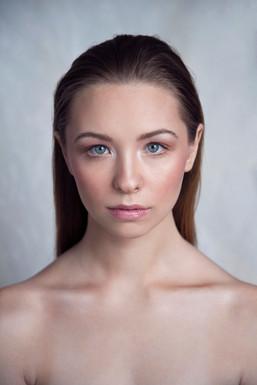 Freya De Tonnancour MUA: Bea Makeup Artist