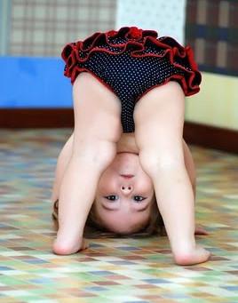 O acentuado geno varo (pernas arqueadas) em crianças