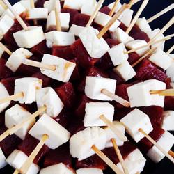 Espetinho queijo com goiabada