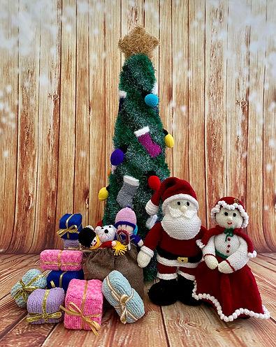 17 Hertford 5 Mr & Mrs Christmas.jpg