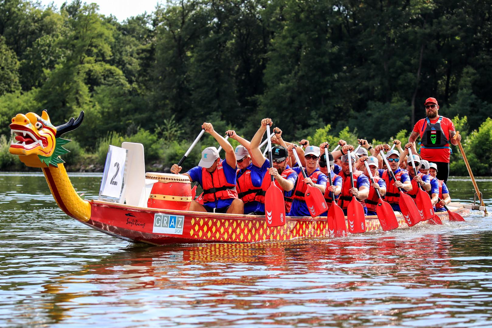 Charity-Drachenbootrennen