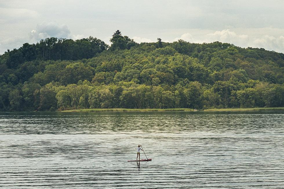 lake-5677885_1280.jpg