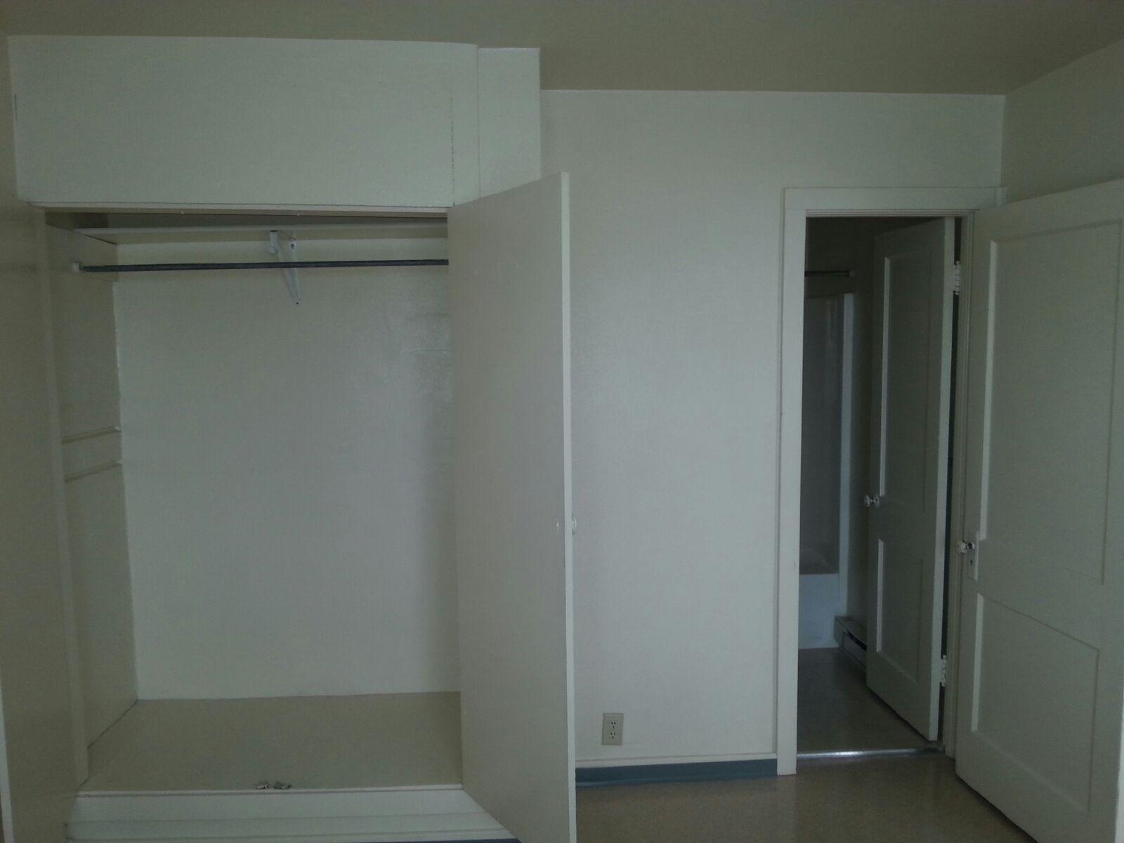 Closet Bath