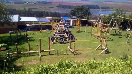 ein Klettergarten-Vorbild, wie er bald auch im Kinderheim stehen soll