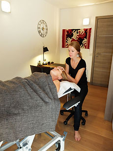 sophie-decarpigny-osteopathe-consultation.jpg