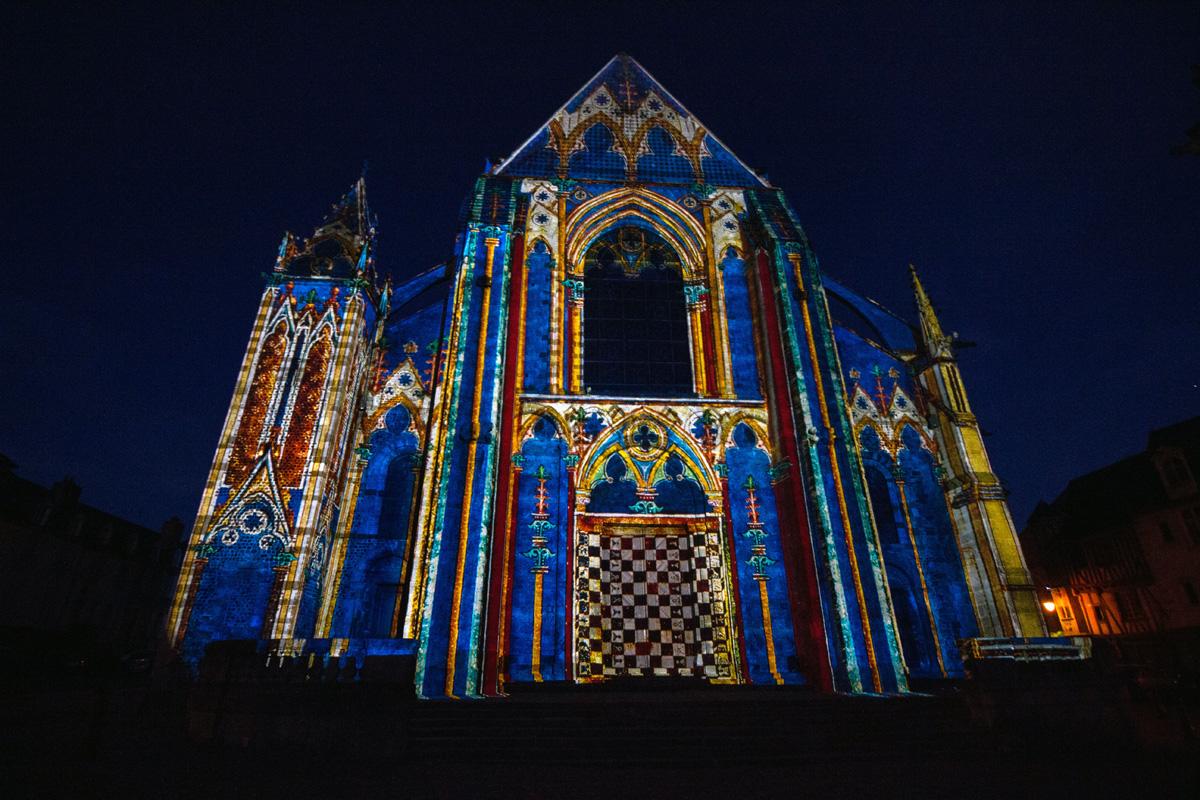 Porche de la cathédrale 2