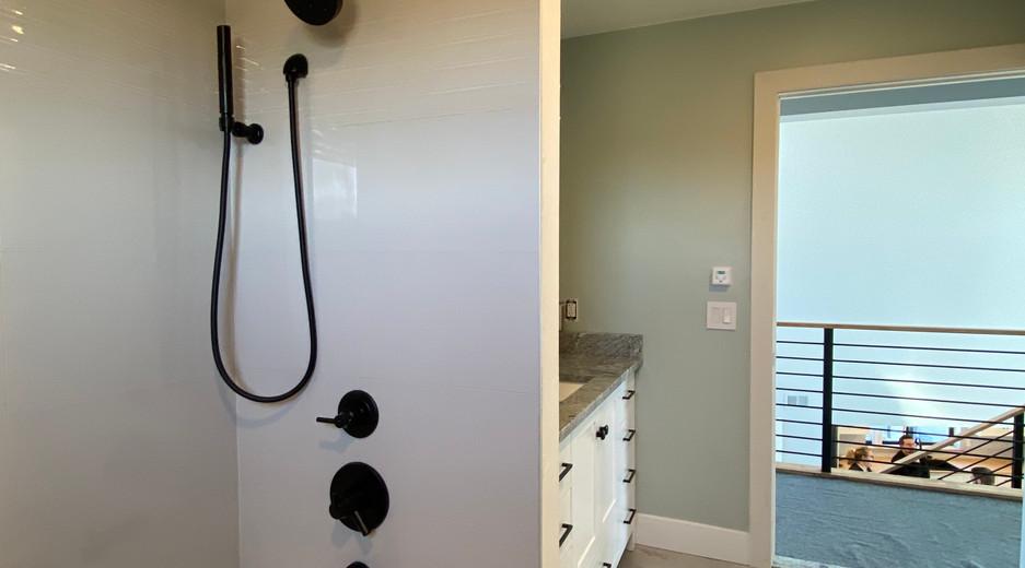 Ebeling House Bathroom Finished