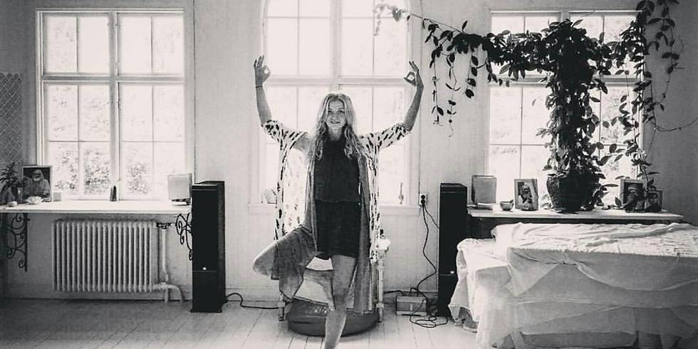 Yoga för att reducera stress. med Elin Thörnvall (1)