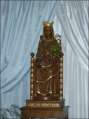 Sainte Marie -réplique de la Vierge noire de Chartres