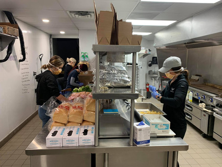 BIRDI Golf delivers 100 Lunches to Christian Community Cupboard