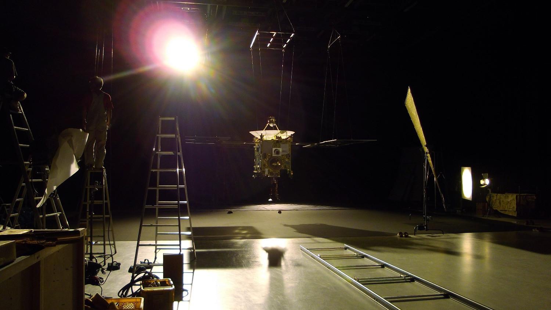 Set Photo [HAYABUSA Asteroid Probe]