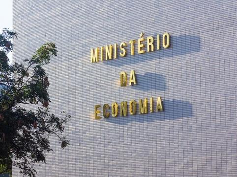 Ministério da Economia eleva projeções do PIB e da inflação em 2021