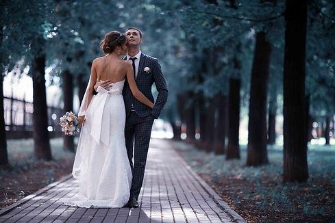 couplewalking.jpg
