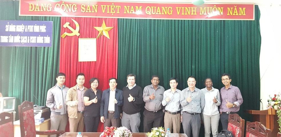 Đoàn giám sát đánh giá của WB làm việc với TT Nước sạch và VSMT nông thôn Vĩnh Phúc
