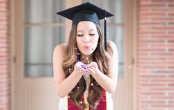 usc graduation confetti