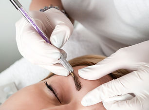 permanent-makeup-tattooing-of-eyebrows-r