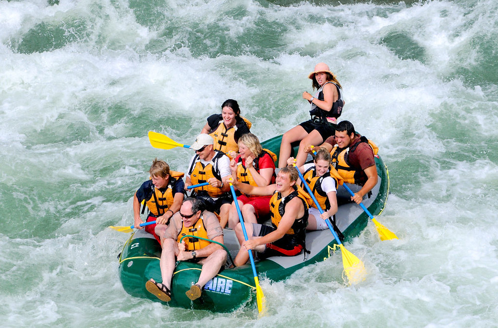 How to Avoid Injury While Rafting
