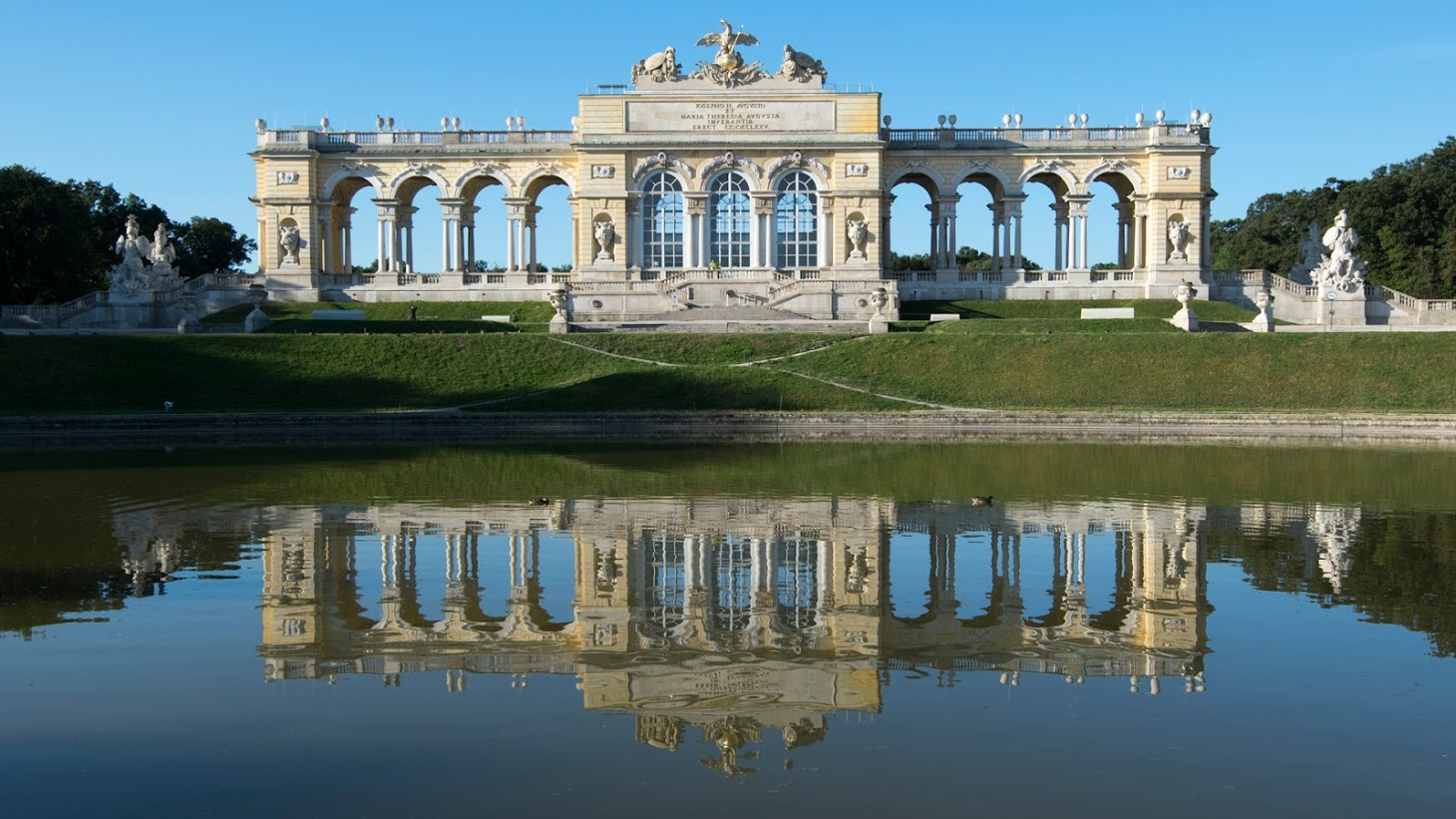 08/15 - gloriette reflections