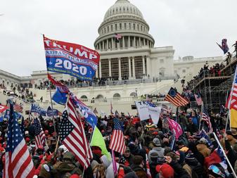Gist-orische context: It can't happen here - Trumps MAGA-cult en het fascisme