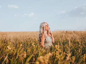 Best Time to Book Senior Photos in North Dakota