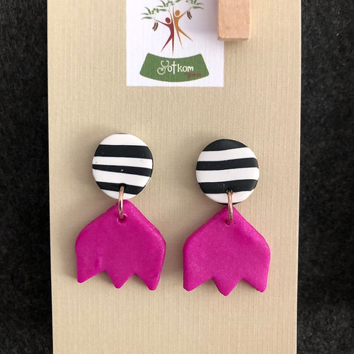 Safari pink stud earrings