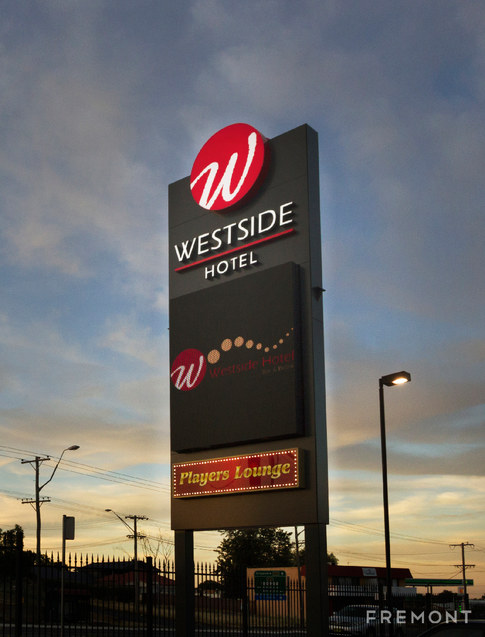 Westside Hotel_DUBBO _PYLON_web.jpg
