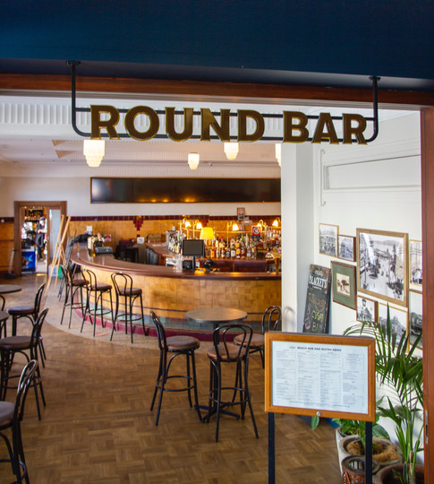 Steyne Hotel - round bar_edited.jpg