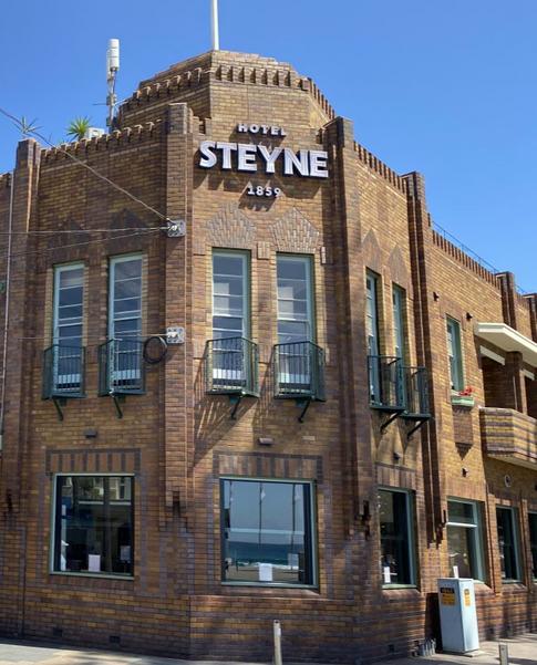 Steyne%20building%20sign_edited.png