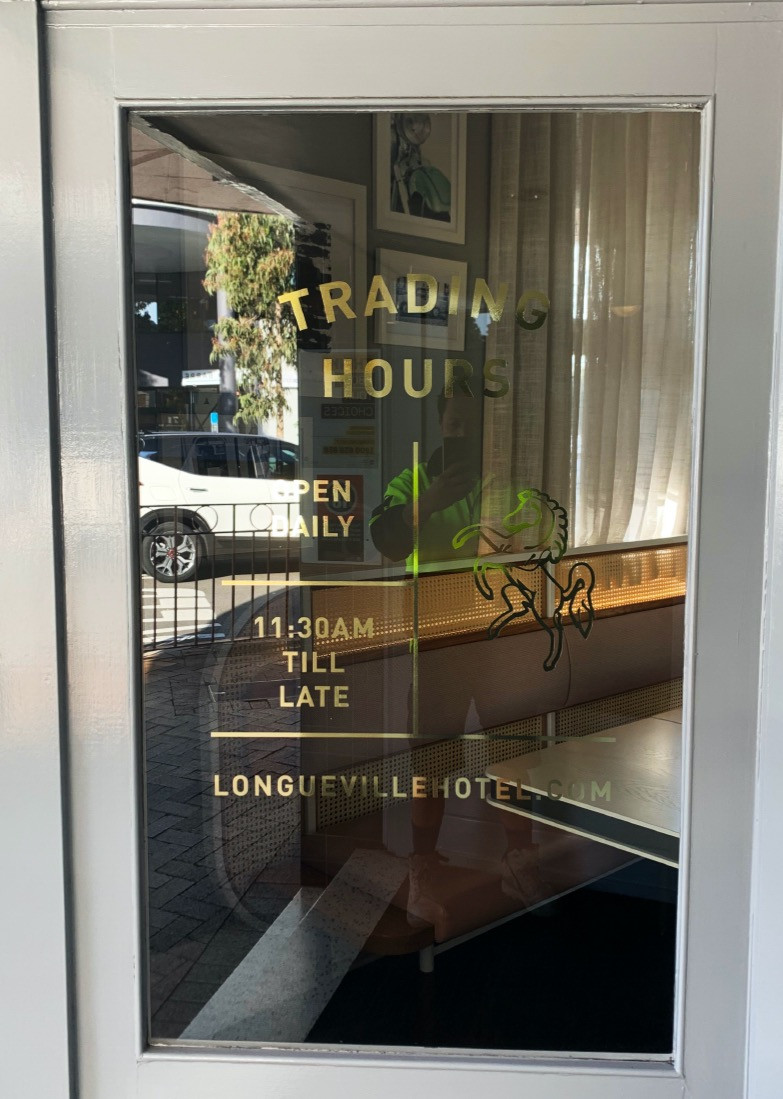 Longueville%20Gold%20Trading%20Hours%202
