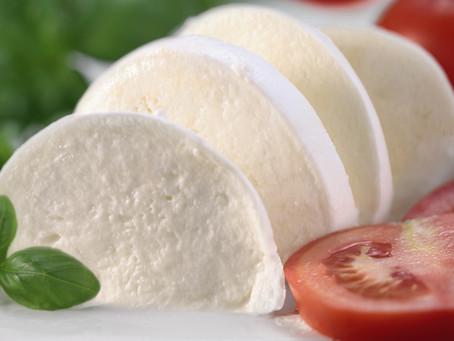 La mozzarella e l'intolleranza al lattosio