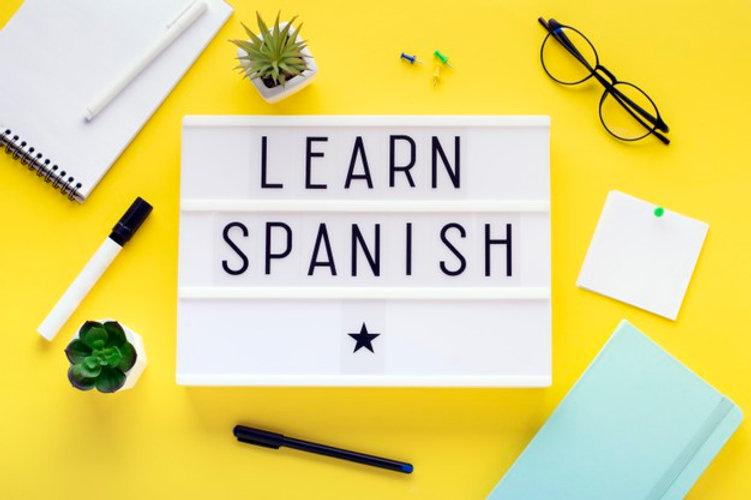 cursos-espanol-online-concepto-aprendiza