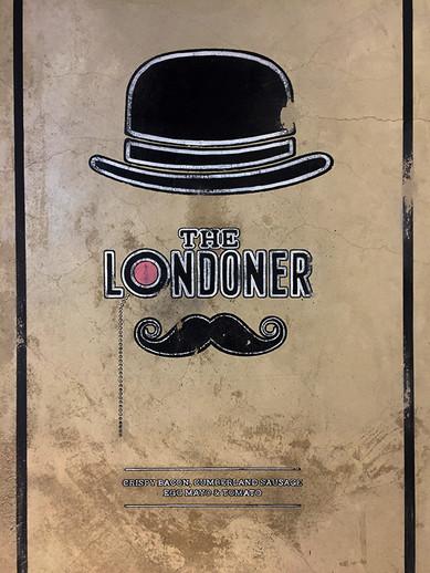 signwriter loire designs london 2.jpg