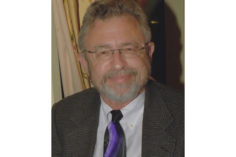 Rabbi Stephen Karol Teaching at Shabbat Services