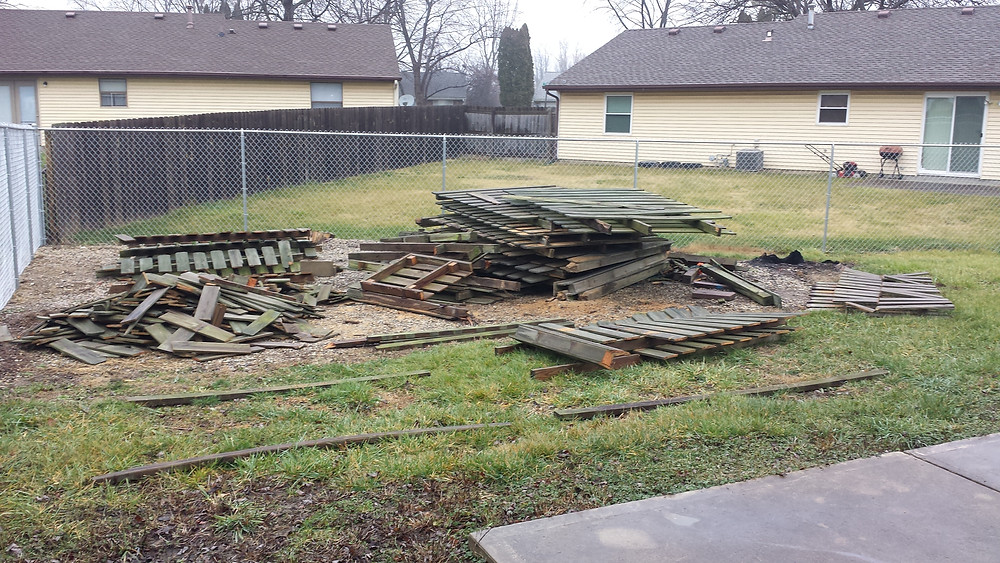 DIY Cleanup, Indianapolis Junk Removal, Indianapolis, Hauling, Fence Removal, Remove Fence Panels, Property Cleanup