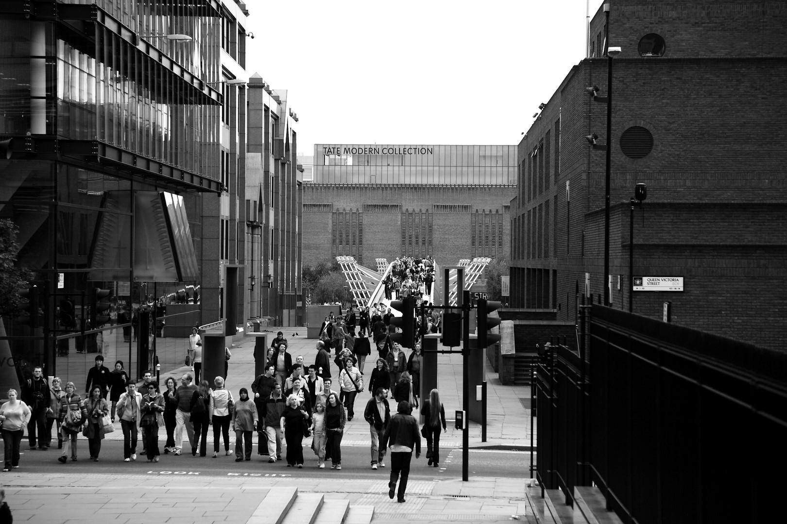 20071006 London Millenium Bridge.JPG