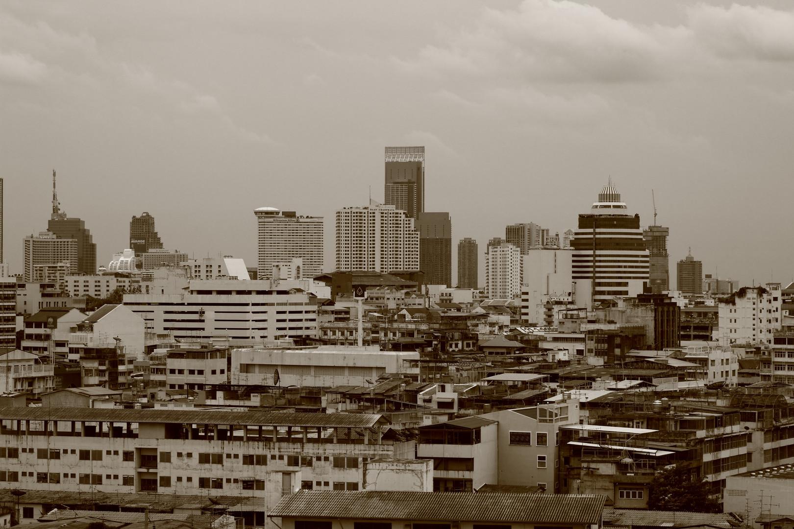 Bangkok skyline 2012.JPG