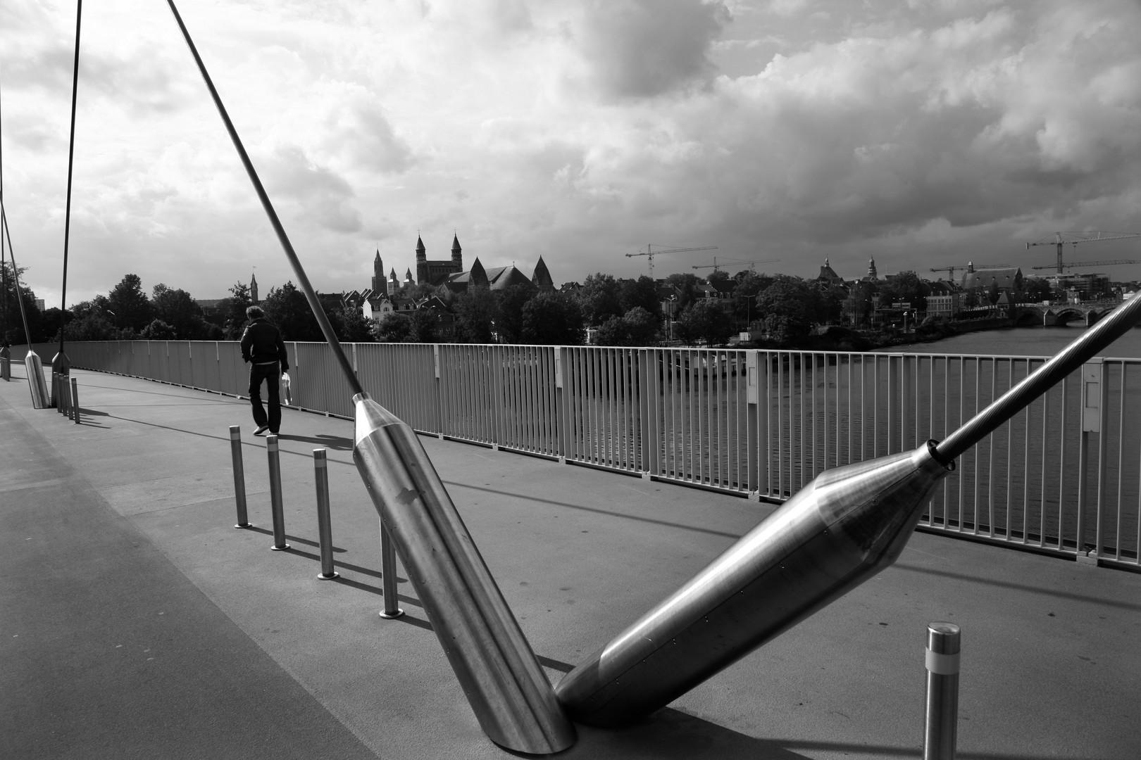Maastricht Bridge 1 2006.jpg