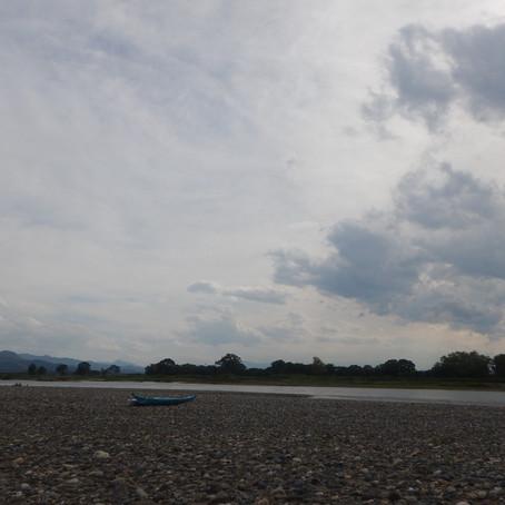 千曲川でキャンプ