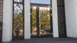 """Двери в ресторане """"Яссар"""""""