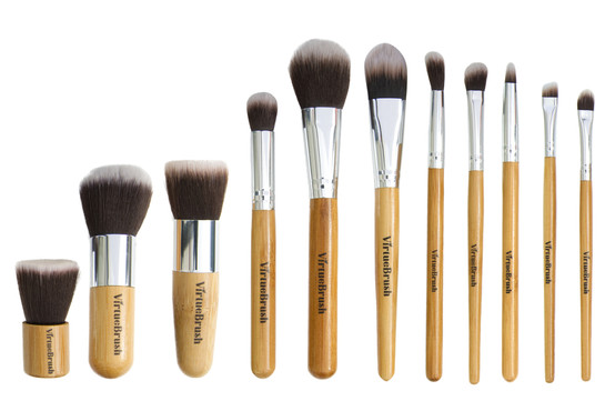 Makeup brushes set.