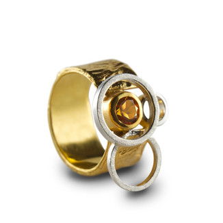 Gold ring photography.